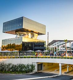 2015 : Lancé par le groupe SOCRI et réalisé en partenariat avec Unibail-Rodamco-Westfield, le Polygone Riviera, 70 000 m² de surface de vente comprenant 130 boutiques, ouvre à Cagnes-sur-Mer. Les participations de SOCRI sont cédées en 2017 pour financer d'autres projets.